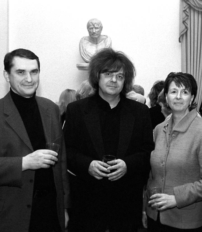 Amb. Shamshur with pianist Volodymyr Vynnytsky and TWGCF Director Marta Zielyk
